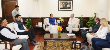 A Ukrainian delegation meeting the Union Minister for Urban Development, Housing & Urban Poverty Alleviation and Information & Broadcasting, Shri M. Venkaiah Naidu to discuss the prospects of launching Ukraine-India Co-operation in Information & Broadcasting fields, in New Delhi on February 27, 2017.